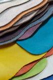 Образцы ткани для мебели в домашнем или коммерчески здании Малые доски образца цвета Скопируйте космос, дизайн стоковые изображения