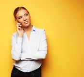 Образ жизни, дело и концепция людей: усмехаясь бизнес-леди Стоковые Фото