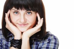 Образ жизни и концепция людей: портрет усмехаясь женщины брюнет стоковые фото