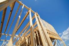 Обрамлять дома нового строительства стоковое изображение rf