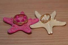 Обручальные кольца золота звезды Стоковое Фото