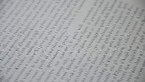 Обручальные кольца на странице книги акции видеоматериалы