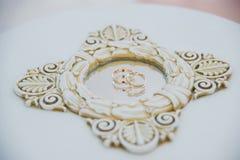 Обручальные кольца с отражением в зеркале Стоковое Изображение RF