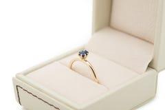Обручальное кольцо в подарочной коробке Стоковое Изображение RF