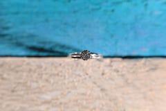 Обручальное кольцо увиденное сверху Стоковые Изображения
