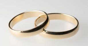 Обручальные кольца закрывают вверх Стоковые Изображения