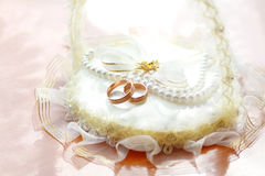 Обручальные кольца стоковые фотографии rf