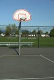 обруч баскетбольной площадки напольный Стоковая Фотография