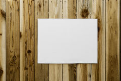 Обруч холста на деревянной стене Стоковые Фото