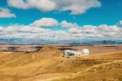 Обсерватория Джона держателя на озере Tekapo стоковое изображение rf