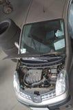 обслуживание двигателя автомобиля залива Стоковая Фотография