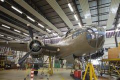 Обслуживание двигателя в самолете Стоковые Изображения RF