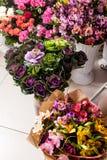 Обслуживание поставки цветка Стоковые Фотографии RF