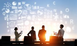 Обсуждение на деловой встрече стоковые изображения rf