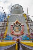 Обслуживание большой скульптуры Будды Стоковые Изображения RF