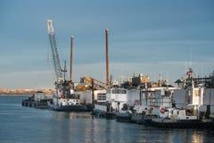 Обслуживание дока буксира на порте Стоковое Изображение