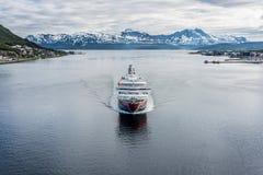 Обслуживание доставки Hurtigruten в Норвегии Стоковое Фото
