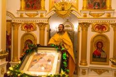 Обслуживание рождества и дежурство на пиршестве рождества Христоса (Русская православная церковь) Стоковое фото RF