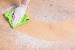Обтирать пыль стоковое изображение