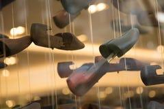 Обувь дисплея крупного плана детали блоков ботинка никто Стоковое Фото