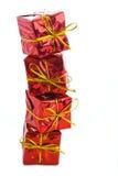 обхватывайте красный цвет золота подарка коробки Стоковая Фотография