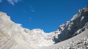 Обхватывайте цвета banff долины осени внутри амфитеатра каскада горы Стоковое Фото