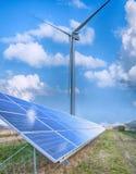 обшивает панелями солнечный ветер турбины Стоковые Фотографии RF