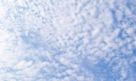 Обширное голубое небо и небо облаков Стоковое фото RF