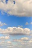 Обширное голубое небо и небо облаков Стоковые Изображения RF