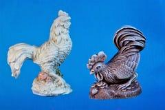 Общее птицы петуха, отсчеты вниз с времени, объявляя начало дня стоковая фотография rf
