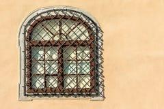 Общее средневековое окно дома стоковое фото rf