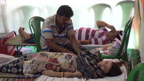 Общественный лагерь донорства крови - редакционный отснятый видеоматериал запаса акции видеоматериалы