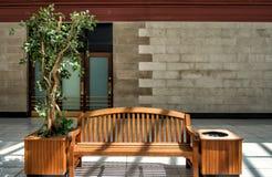Общественный деревянный стенд Стоковые Фотографии RF