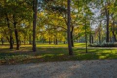 Общественный парк в Будапеште близко к центру города стоковые изображения rf