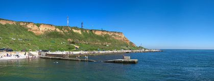 Общественный пляж Zelenaya Gorka в Одессе, Украине панорама Стоковая Фотография