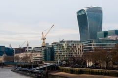 ОБЪЕДИНЕННОЕ KIGDOM, ЛОНДОН, 7-ОЕ ДЕКАБРЯ 2016: Взгляд небоскребов Лондона в Лондон-городе Стоковое Изображение RF
