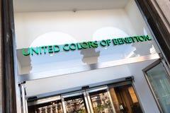 Объединенные цвета экстерьера магазина Benetton Стоковые Изображения RF