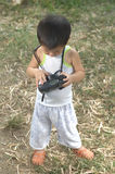 Объективы фотоаппарата проверки малыша Стоковые Фото