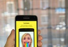 Объективы Snapchat на сотовом телефоне стоковое изображение rf
