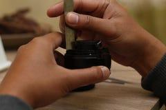 Объектив фотоаппарата починки, 2-ой вариант стоковые фотографии rf