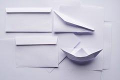 Объекты белой бумаги стоковое изображение rf