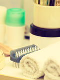 Объекты ванной комнаты Губки, щетки, полотенца и creams Стоковая Фотография