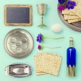 Объекты еврейской пасхи и комплект еды для творческого дизайна стоковое изображение