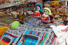 Объекты на рынке Otavalo стоковая фотография