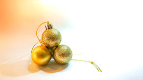Объект украшения шарика золота на рождество и Новый Год Стоковая Фотография RF