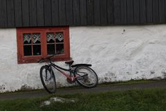 Обычная жизнь в Kirkjubøur, Фарерских островах стоковая фотография rf