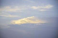 Облака в заходе солнца голубого неба Стоковое фото RF