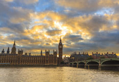 Облака захода солнца над большим Бен стоковые изображения