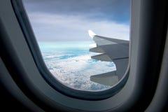 Облака и небо как увиденное до конца окно воздушного судна Стоковая Фотография
