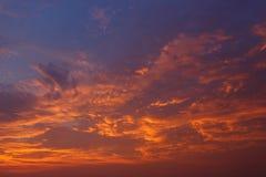 Облака и небо на заходе солнца Стоковое Изображение RF